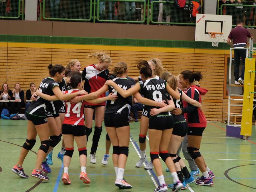 VfB Damen 1 freut sich