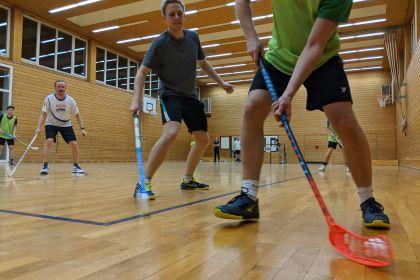 Floorball: Erstes offizielles Vereinstraininig …