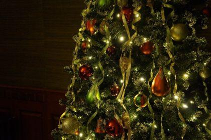 Nikolaustag: Glühwein in der Ladenzeile …